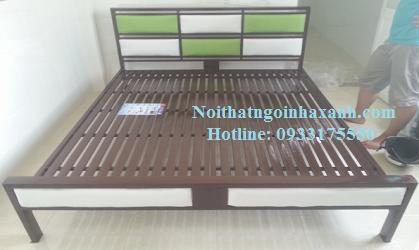 Giường sắt hộp vuông kiểu gỗ 1m6