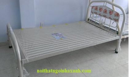 Giường sắt đơn ngang 80cm dài 2m.