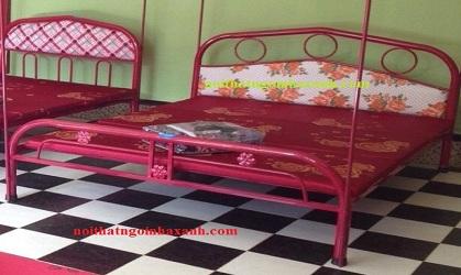 Giường sắt đơn ngang 1m dài 2m.